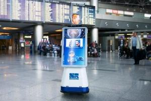passajiram vnukovo pomogaet govoryashii robot lenochka Пассажирам Внуково помогает говорящий робот «Леночка»