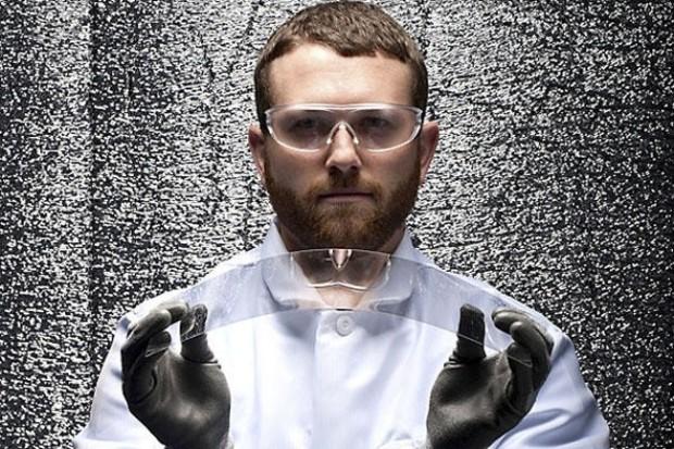 Gorilla Glass steklo povyshennoi prochnosti bylo izobreteno eshyo v 1952 m godu Gorilla Glass, стекло повышенной прочности, было изобретено ещё в 1952 м году