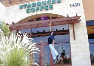 fanat Starbucks mechtaet posetit vse kofeini seti po vsemu miru Фанат Starbucks мечтает посетить все кофейни сети по всему миру