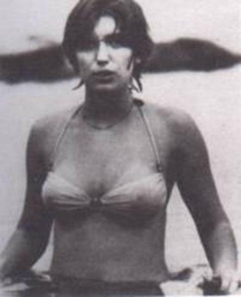 devushka v krasnom bikini ili istoriya odnogo pobega Девушка в красном бикини, или история одного побега