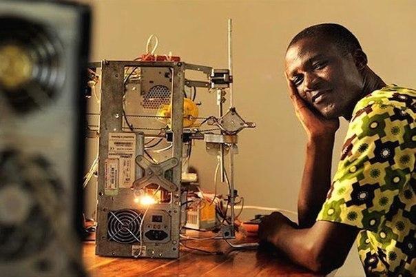 afrikanskii izobretatel sozdal 3D printer iz musora Африканский изобретатель создал 3D принтер из мусора