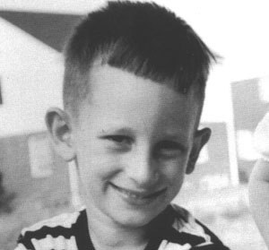 on byl edinstvennym v klasse evreem Он был единственным в классе евреем