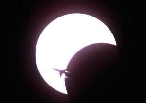 reis s vidom na solnechnoe zatmenie vyletit iz murmanska Рейс с видом на солнечное затмение вылетит из Мурманска
