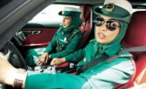 turista posadili za prikosnovenie k jenshine policeiskomu v dubae Туриста посадили за прикосновение к женщине полицейскому в Дубае
