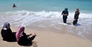 na plyaji i v oteli egipta ne budut puskat jenshin v hidjabah На пляжи и в отели Египта не будут пускать женщин в хиджабах