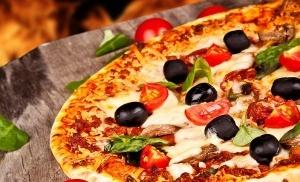 naberejnaya v neapole prevratilas v picceriyu Набережная в Неаполе превратилась в пиццерию
