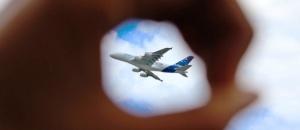 byudjetnaya aviakompaniya prodaet polety po evrope za 6 evro Бюджетная авиакомпания продает полеты по Европе за 6 евро