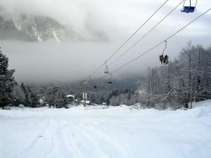 v etom godu gornolyjniki smogut katatsya na novyh trassah elbrusa В этом году горнолыжники смогут кататься на новых трассах Эльбруса