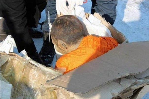 pochemu uchenye schitayut chto mumiya monaha jiva Почему ученые считают, что мумия монаха жива?