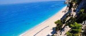 odin iz luchshih plyajei grecii unichtojen zemletryaseniem Один из лучших пляжей Греции уничтожен землетрясением
