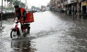 ugroza silnyh navodnenii obyavlena v malaizii Угроза сильных наводнений объявлена в Малайзии