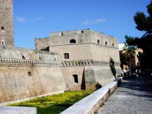 italyanskii bari vvodit turisticheskii nalog Итальянский Бари вводит туристический налог