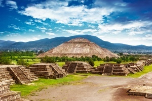 meksikanskie piramidy vid sverhu Мексиканские пирамиды — вид сверху