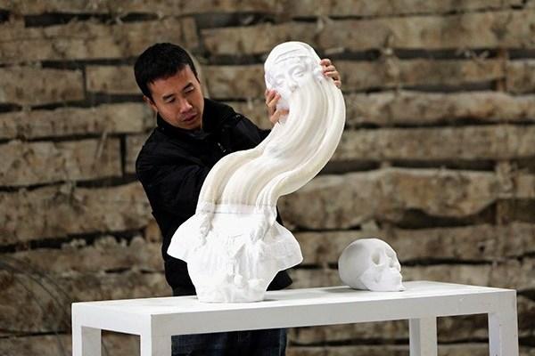 podvijnye skulptury rastyajimoe voploshenie klassiki Подвижные скульптуры: растяжимое воплощение классики