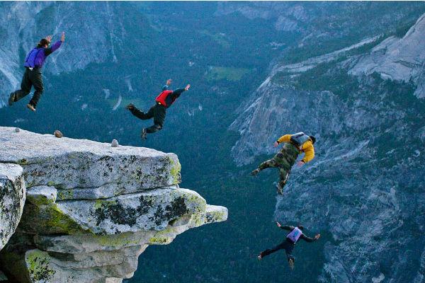 beisdjamping ili kak prygnut so skaly i prizemlitsya na nogi Бейсджампинг или как прыгнуть со скалы и приземлиться на ноги?