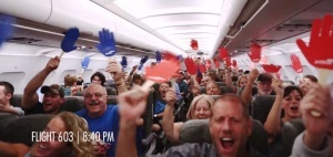 aviakompaniya podarila 150 biletov pryamo vo vremya poleta Авиакомпания подарила 150 билетов прямо во время полета