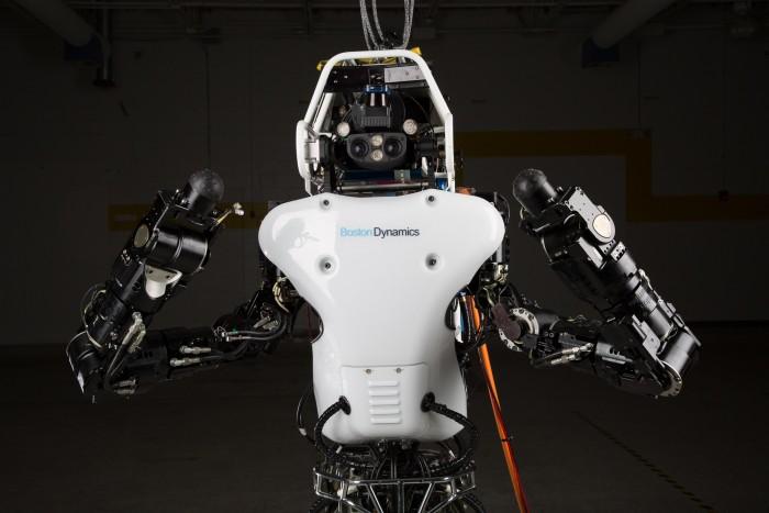 udivitelnyi robot nauchilsya preodolevat prepyatstviya Удивительный робот научился преодолевать препятствия