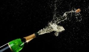 aeroflot zaplatit 185 millionov rublei za shampanskoe «Аэрофлот» заплатит 185 миллионов рублей за шампанское