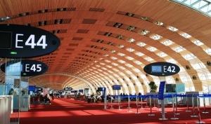 17 passajirov vyleteli iz aeroporta parija bez dosmotra 17 пассажиров вылетели из аэропорта Парижа без досмотра
