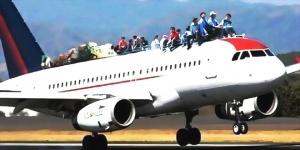 pochti 30 chelovek ne pomestilis v samolet letevshii v sochi Почти 30 человек не поместились в самолет, летевший в Сочи