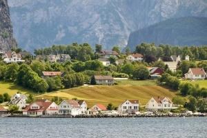 norvegiya obespokoena naplyvom turistov Норвегия обеспокоена наплывом туристов