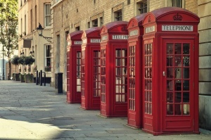 krasnye telefonnye budki osnastyat zaryadkami i Wi Fi v londone Красные телефонные будки оснастят зарядками и Wi Fi в Лондоне