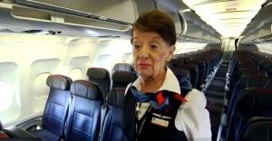 samaya staraya v mire styuardessa rabotaet uje pochti 60 let Самая старая в мире стюардесса работает уже почти 60 лет