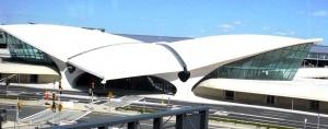 passajiry proshli na posadku bez dosmotra iz za sboya v aeroportu nyu iorka Пассажиры прошли на посадку без досмотра из за сбоя в аэропорту Нью Йорка