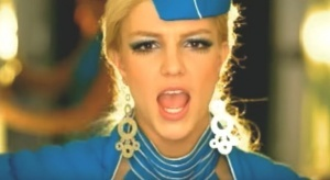 bortprovodnik sparodiroval izvestnyi klip britni spirs Бортпроводник спародировал известный клип Бритни Спирс