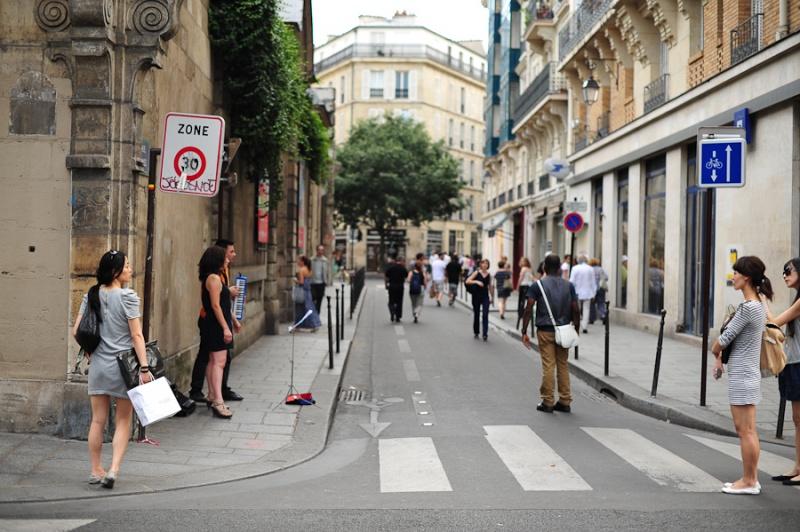 8 marta ulicy parija pereimenuyut v chest znamenityh jenshin 8 марта улицы Парижа переименуют в честь знаменитых женщин