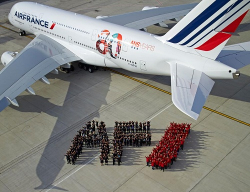 Air France smenil raskrasku po sluchayu 80 letiya Air France сменил раскраску по случаю 80 летия