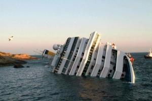 Costa Concordia uvidit bereg Costa Concordia увидит берег