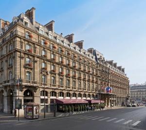 Hilton vozvrashaetsya v parij Hilton возвращается в Париж