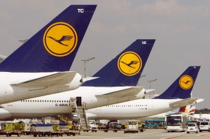 Lufthansa provodit novogodnyuyu rasprodaju biletov Lufthansa проводит новогоднюю распродажу билетов