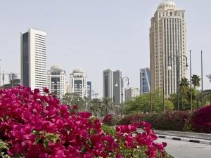 Qatar Airways predlojit tranzitnym passajiram besplatnuyu ekskursiyu po dohe Qatar Airways предложит транзитным пассажирам бесплатную экскурсию по Дохе