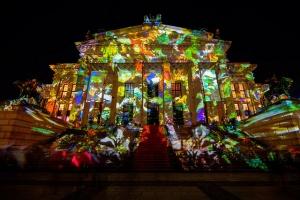berlin gotovitsya k ejegodnomu festivalyu svetu Берлин готовится к ежегодному фестивалю свету
