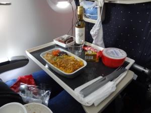 bolshe poloviny passajirov nedovolny pitaniem v samoletah Больше половины пассажиров недовольны питанием в самолетах