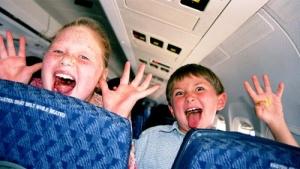 britanskie turisty vyskazalis za zony bez detei v samoletah Британские туристы высказались за зоны без детей в самолетах