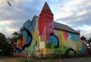 cerkov v vashingtone stala obektom strit arta Церковь в Вашингтоне стала объектом стрит арта