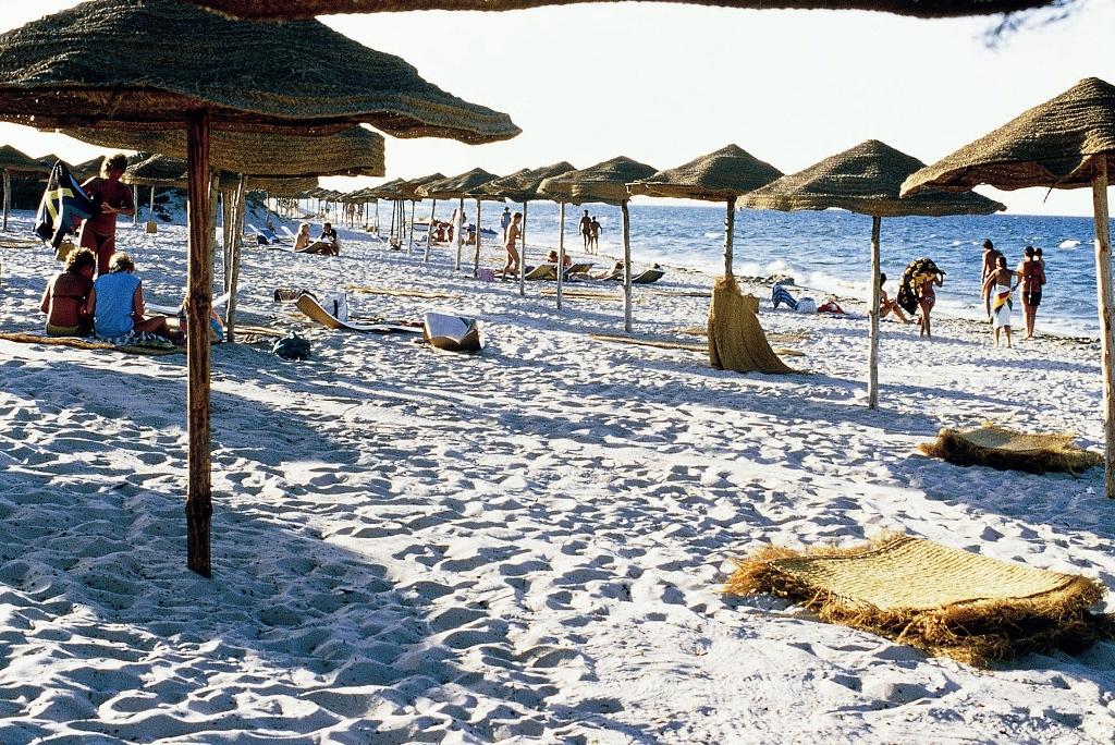 dohody v turisticheskom sektore tunisa snizilis Доходы в туристическом секторе Туниса снизились