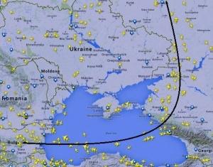 ekipaj rossiiskoi aviakompanii predlojil passajiram podpisat zayavlenie ob oblete ukrainy Экипаж российской авиакомпании предложил пассажирам подписать заявление об облете Украины