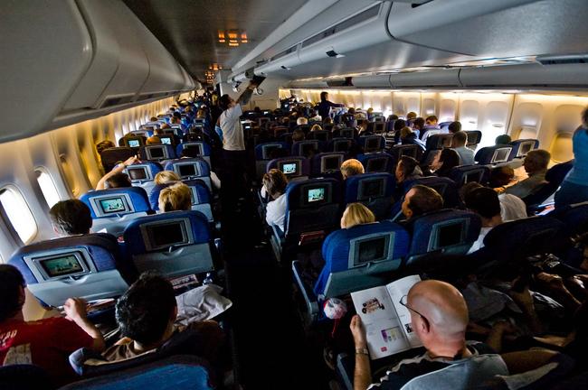 francuzy priznany samymi boltlivymi aviapassajirami Французы признаны самыми болтливыми авиапассажирами