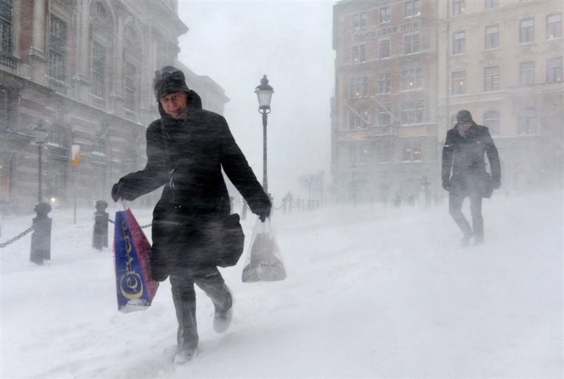 iz za snegopada v stokgolme paralizovano transportnoe dvijenie Из за снегопада в Стокгольме парализовано транспортное движение