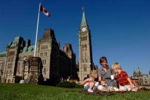 kanada pristupila k vydache desyatiletnih viz Канада приступила к выдаче десятилетних виз