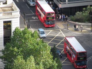 Лондонские автобусы перестанут продавать проездные билеты