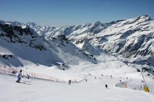 monte roza predlagaet besplatnoe katanie na lyjah Монте Роза предлагает бесплатное катание на лыжах