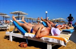 nemeckie turisty ne lyubyat rossiyan i britancev Немецкие туристы не любят россиян и британцев