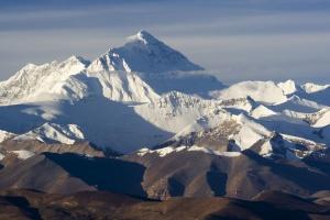 nepal zapretit turistam spuskatsya s everesta bez musora Непал запретит туристам спускаться с Эвереста без мусора