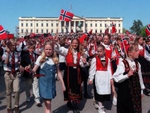 norvegiya gotovitsya k prazdnovaniyu dvuhsotletiya konstitucii Норвегия готовится к празднованию двухсотлетия Конституции