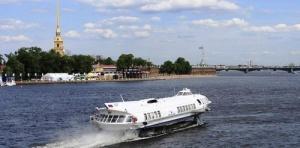 otkrylas navigaciya mejdu sankt peterburgom i petergofom Открылась навигация между Санкт Петербургом и Петергофом